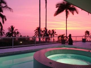 3 Master Suites, Private Pool and Fantastic Ocean Views! - PHKEST7, Kailua-Kona