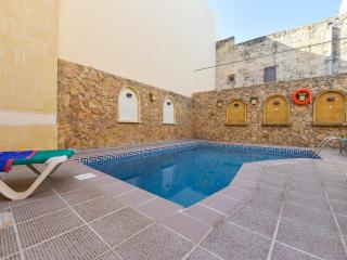 Tas-Summiena Villa with Private Pool, Sannat