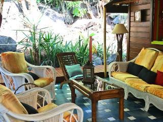Habitation Colas bungalow coconut, Pointe-Noire