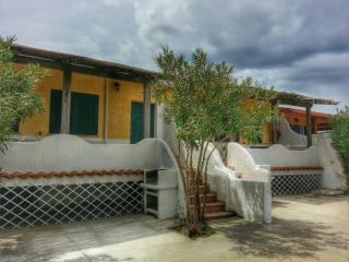 villetta 2 camere residence PORTO PINO, Porto Pino