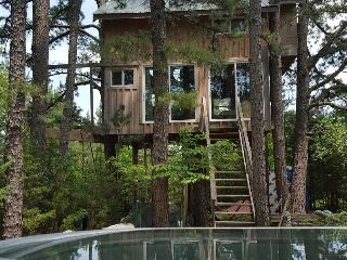 Enchanted Treehouse Tiny House on 70 acre Sacred Spiritual Sanctuary