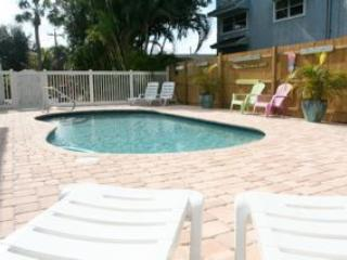 Dolphin, Quaint Key West Style Resort, Fort Myers Beach