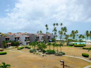 Premier Beachfront Villa, Ocean View in Palmas del Mar (CC34), Humacao
