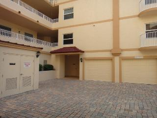 806 Mystic Dr. D-508, Cabo Canaveral