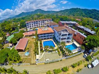 Paloma Blanca 3G 3rd Floor Pool View, Jaco