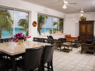 Point Blue Condo Right On The Ocean, Simpson Bay