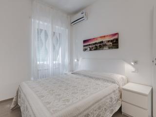 White apartment, Rome