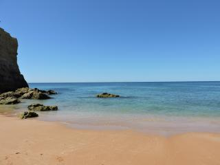 Special Price in July! Sea View! 500m to the Sandy Beach! Albufeira, Algarve.