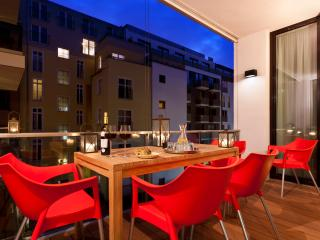 Luxury 3 bedroom 2 bathroom Mitte Apartment, Berlín