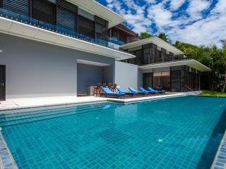 Luxury Private Beachfront Villa: Pool & Jacuzzi, Phuket