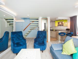 Luxury One Bedroom Duplex in Zona T, Bogota