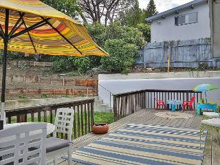 3BR/2BA House, Large Deck, Ocean Views, Close to Beach, Sleeps 6, Summerland
