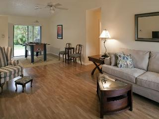 3BR/2BA Pleasant Palm Aire, Close to Tourist Attractions, Sleeps 8, Fort Lauderdale
