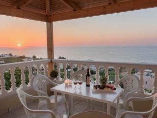 Only 800m from the Sea, Apollon Front View Villa, Sfakaki