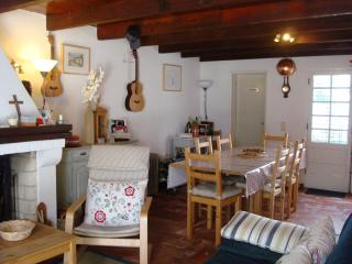 Quaint Village House Near Azeitao, sleeps 4