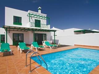 Playa blanca 3 bedrooms villa with private pool