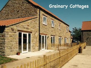 Cowslip Farm Stay Cottage - Wheelchair Friendly, Scarborough