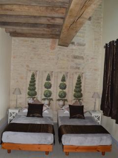 Chambre 1 : 2 lits pouvant être assemblés avec salle d'eau+wc
