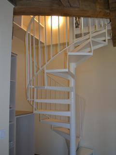 Escalier de la chambre 1 pour accès mezzanine et chambre