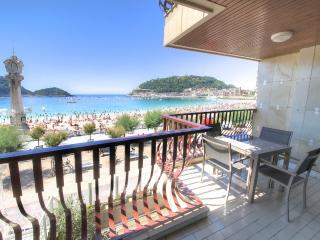 Luxury in 1st  line of La concha beach, San Sebastian - Donostia