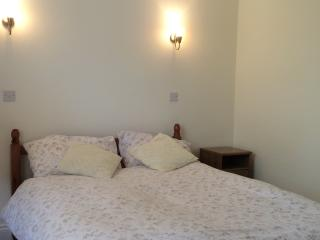 St Margaret's Double bedroom in family home