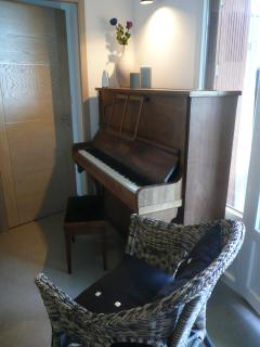 Piano's corner