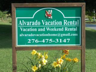 Alvarado Vacation Rental Home, Abingdon