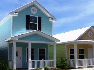 Beautiful, Neat, Cozy, Quiet Gulfstream Cottage, Myrtle Beach