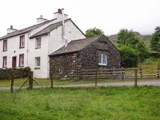 COCKLEY BECK COTTAGE, pet-friendly rural cottage, woodburner, walks from door, in Cockley Beck, Ref 914891