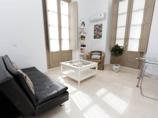 Bright Apartment-Historic Cent, Malaga