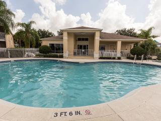 Sun Lake Condo Near Disney inc. WIFI,Cable,Parking