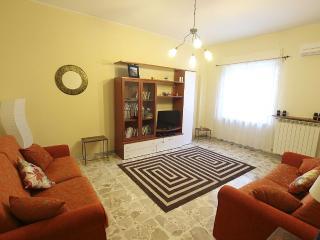 Apartment Nazionale Pizzo, one bedroom, sleeps 4