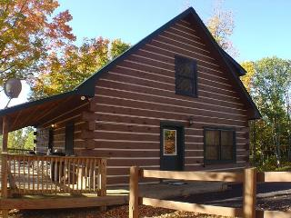 PRIVATE MOUNTAIN RETREAT Near Boone W/Hot Tub, WiFi! MLK Weekend Available!, Creston