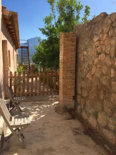 Small side terrace