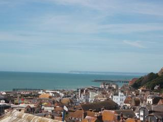 Hastings Old Town 3 bed Cottage with sea views