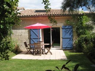 Bordeaux Cottage for 2 Le Petit gite de Fenouil