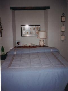 Camera matrimoniale vista giardino e suite - Dooble bed with garden view and suite