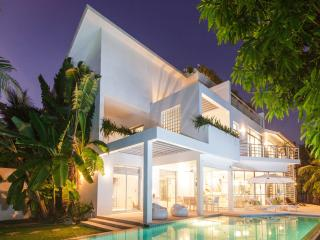 Villa White House @ Marina Phuket, Ko Kaeo