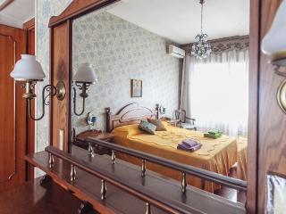 Annita's Home, Rom