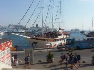 Astra, Split
