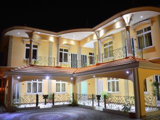Niv Villa 2,3,5 (Large Bed 180cm X 210cm), Flic en Flac
