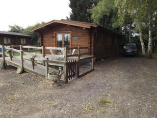 Bluebell Lodge at Avonvale Holiday Lodges, Offenham