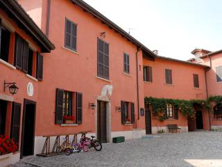 The Stable House, Casatenovo
