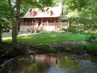 Creekside Paradise B and B North Guest Room, Robbinsville