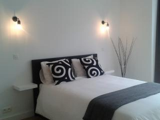 Ideal Apartment in Antwerp-Zuid Black&White, Amberes