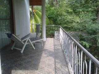Villa with garden immersed in nature, Ambalangoda