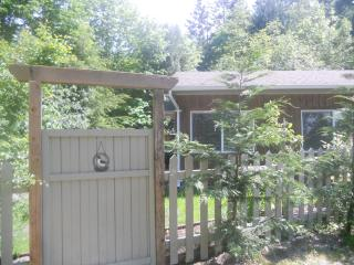 Grovehill Vacation Cottage , Qualicum Bay, Qualicum Beach