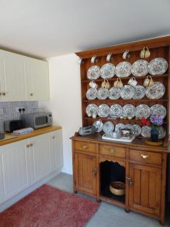 Plenty of crockery! Toaster, microwave, washing machine, cooker, fridge and radio at your disposal