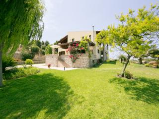Villa Russelia, ideal for Family and Friends, Kamiros Scala