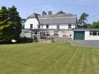 Detached House with grounds at seaside Criccieth